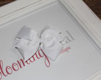 "White Large 4"" Pinwheel Bow"