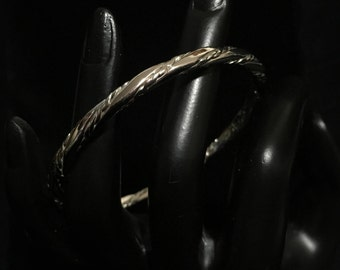 Vintage 1980's ©Monet Twisted Silvertone Rope Bangle (ABX1H)