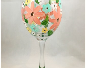 Floral painted wine glass, floral wine glass, flower painted wine glass, flower wine glass, floral painted glassware, flower painted glass
