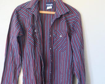 vintage wrangler 1970's western cut red  and navy blue striped pearl snap button up shirt *