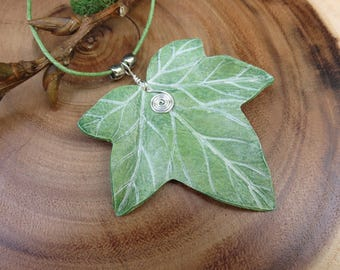 IVY Leaf Leather Necklace with silver wire spiral - Green
