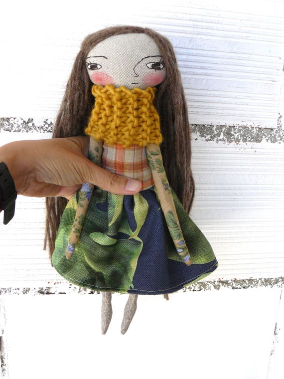 Art doll in cotton and linen. Alpaca  and silk hair. 32 cm.