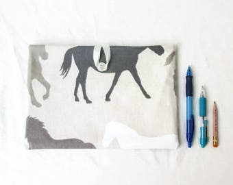 Fabric Ipad cover, IPad sleeve, horse print fabric, padded tablet case, Ipad Air cozy, Ipad 2 case, gift for horse lover, handmade in the UK
