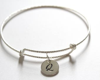 Sterling Silver Bracelet with Sterling Silver Cursive Q Letter Charm, Bracelet with Silver Letter Q Pendant, Initial Q Charm Bracelet, Q