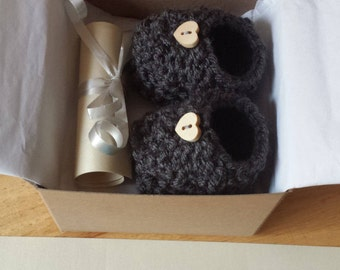 Pregnancy Announcement, Baby Booties, Grandparent Pregnancy reveal, Crochet Booties, Ready to Ship !