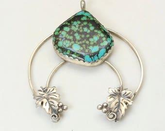 Vintage Signed Sterling Silver & Kingsman Turquoise Grape Leaf Detailing Naja