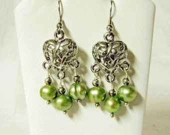 Dragonfly and green pearl earrings - E3129-03
