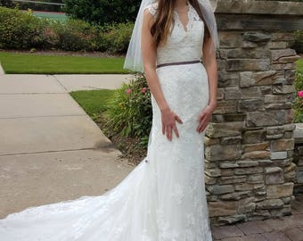 White Alencon Lace Vintage Inspired Fit and Flare Bridal Wedding Gown w/ Lace Illusion Back, SIZE 10, Mary Grace