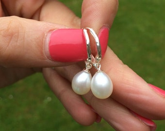 Freshwater Teardrop Pearl Earring, Leverback, Pearl Drop Earring, Simple Pearl Earrings, Sterling Silver wedding earrings, bridal earrings