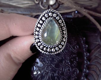 Prehenit Ring, Silver Plated Ring, US size 9 Ring, Witchy Ring, Antique Look Ring