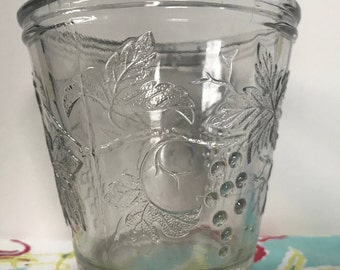 Vallerysthal grape and leaves pressed glass, Made In France