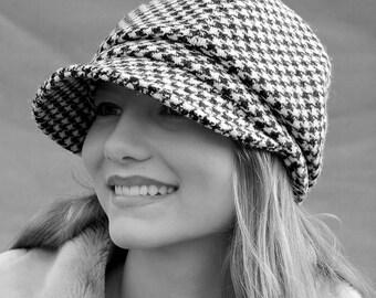 Tweed newsboy cap| Womens captain cap| Peaky blinder cap| Wool newsboy cap| Womens baker boy cap| chequered cap| Harris tweed cap| ZUT cap