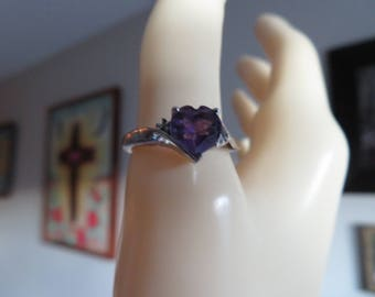 Handcrafted Gorgeous Genuine Amethyst Heart Genuine Diamonds on either side of Heart 925 Ring Size 7.25, Wt. 1.9 Grams