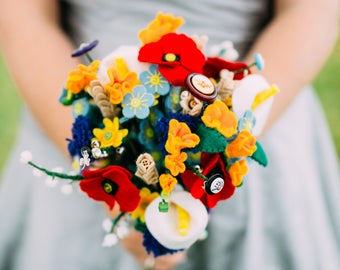 Wildflower inspired bouquet / handmade bouquet / everlasting wedding flowers / alternative wedding bouquet / felt button bouquet