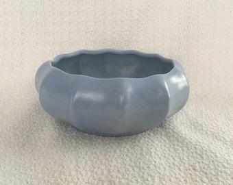 Haeger Pottery Blue Planter Bowl, Light Blue Planter, Blue Pottery Pot, Blue Planter, Art Deco, Low Profile Planter, 12 Sided Ribbed Planter
