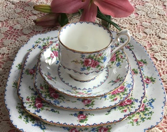 Royal Albert Petit Point Five Piece Place Settings