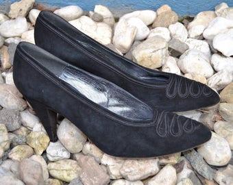 "CHARLES JOURDAN 80s Black Suede Classic Heels Pumps 3.5"" Made in Spain Ribbon detail Size 8"