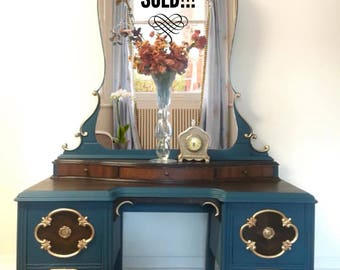 Stunning Regency Antique Vanity / Depress era/ Hollywood Regency /