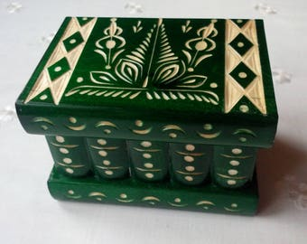 Green beautiful special handcarved,handmade wooden puzzle box,secret box,magic box,jewelry box,brain teaser,storage box,flower designe box