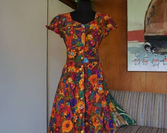 1980's Cotton Floral Empire Waist Dress with Pockets and a Cut Out Back Detail Size M Festival Dress