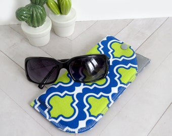 Padded Sunglasses Case - Blue/Green Quatrefoil // Soft Snap Pouch // Glasses Holder