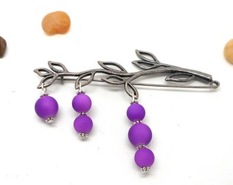 Kilt pin brooch leaf color nickel and silver, purple beads with charms and co.