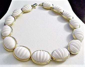 Monet White Oval Necklace Choker Gold Tone Vintage Lucite Crimped Ribbed Discs Raised Rimmed Edges Foldover Clasp Closure
