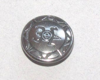Heavy pewter button with Mimbres turtle design--Danforth pewter