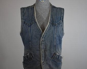 Vintage Levi's Shearling Trucker Vest Size Medium (men's)