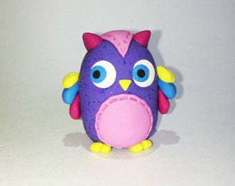Figurines of bright colored kawaii owls with glitter colorful pink blue green yellow purple ornament desk owl wisdom knowledge school owls