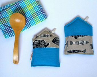 Oven gloves blue color with zentangle fish.