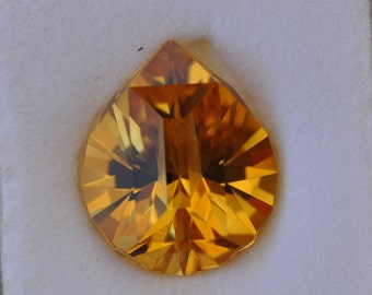 Gold citrine - Super Teardrop