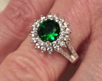 Vintage Emerald Quartz & White Topaz Round Cut Gemstone Sterling Silver Ring, 3.5 ct.  Size - 7