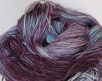 "Hand dyed 4 ply superwash merino & nylon, ""Pansy"", Indie dyer, 100g - 425m"