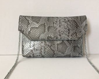 Clutch bag faux leather gray and silver python, by hand, shoulder or detachable chain shoulder strap