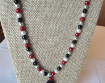 Faux Pearl Mixed Color Necklace