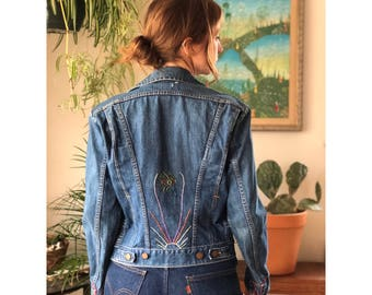 34 | XS-Small | 1960's Pleated Front Zip Up Wrangler Denim Jacket w/ Embroidery