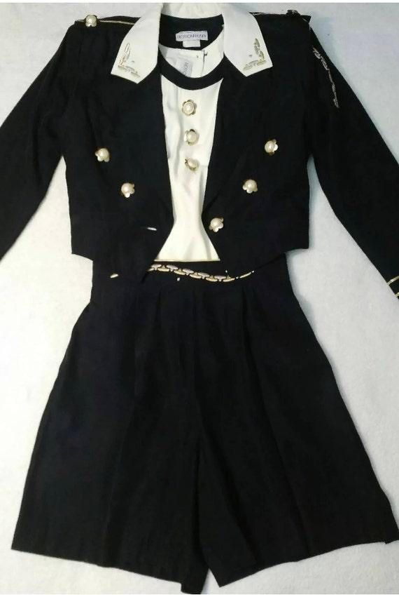 Super cute 3 piece Vintage Nautical high waisted Shorts Suit Set Navy & Cream vintage size 8