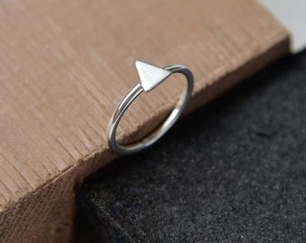 Triangle ring, sterling silver small pointy ring