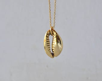 Gold cowrie shell necklace, gold shell necklace, cowrie necklace, real shell necklace, real cowrie necklace, sea fossil necklace