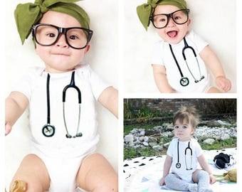 Stethoscope Baby Bodysuit, New Baby Clothes, Baby Onesie, Newborn Baby Gifts, Nurse Gifts, Nurse Onesie, Doctor Onesie, Stethoscope Onesies