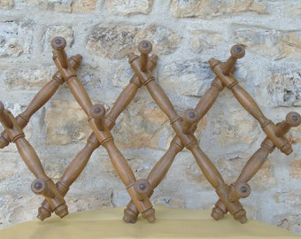 French vintage wooden, 10 peg hat/coat rack.  Concertina style.  Wall hanging.  Shabby chic.  French country style.