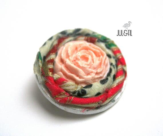 Brooch rose wood powder Japanese fabric