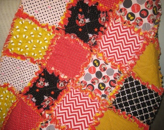 Rag Quilt - Baby Blanket - Minney Mouse