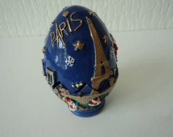 Stunning Vintage Paris Christmas ceramic collectable egg box (05067)
