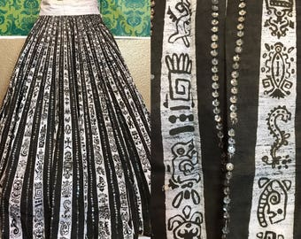 Vintage 1950s Skirt - Mexican Hand-Painted Circle Skirt Black & White w Sequins - S