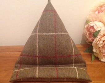 Ipad Stand, tablet, eBook, eReader, Smartphone, Holder, Stand, Beanbag, Tweed, Tartan, Handmade, Scottish, Geek, Gadget, iPhone, iPadPro