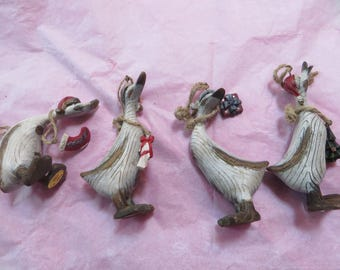 COUNTRY GOOSE ORNAMENTS