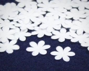 15 mm • 40 pcs • White Die Cut & Emboss Flet Flowers Decoration
