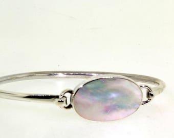 Ladies Vintage Estate 925 Sterling Silver Bangle Bracelet Mother Of Pearl Design